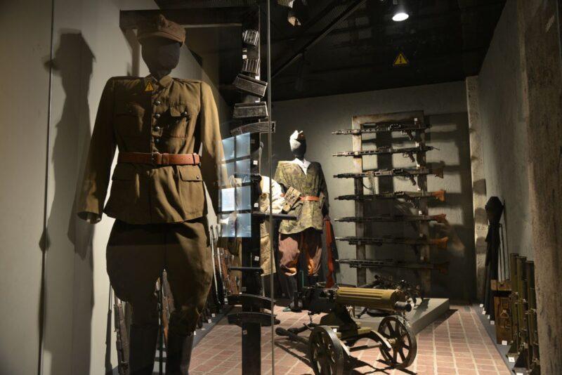 Wystawa mundurów filmowych