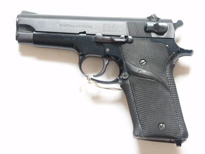 Pistolet Smith & Wesson Model 59