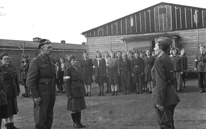 1 Dywizja Pancerna wyzwoliła obóz w Oberlangen