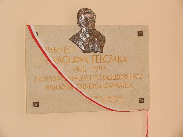 Urodził się Wacław Felczak