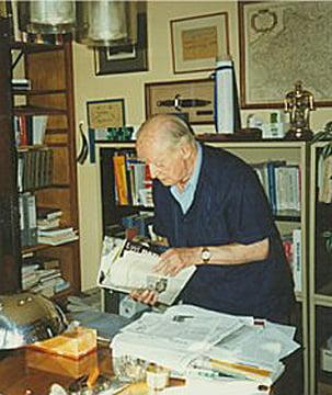 Urodził się Jerzy Giedroyc