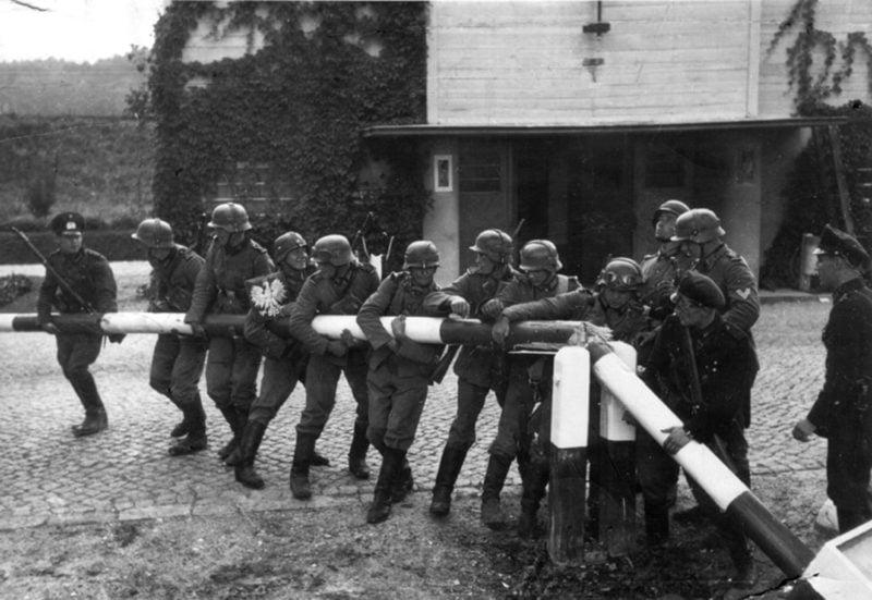 Wojska Niemiec i Słowacji dokonały ataku na Polskę. Rozpoczęła się II wojna światowa.