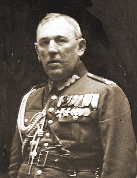 Urodził się Bernard Mond, generał WP.