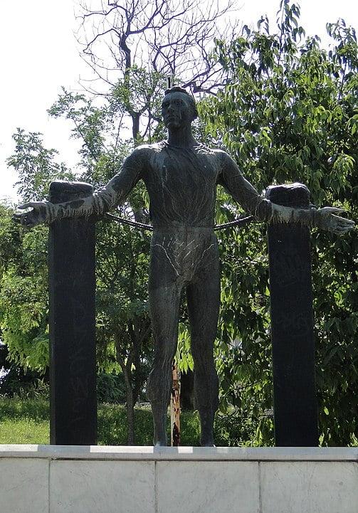 Urodził się Jerzy Iwanow-Szajnowicz