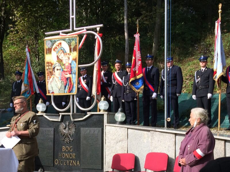 Uroczystości upamiętniające 76. rocznicę bitwy w masywie Kotonia i pacyfikacji Zawadki