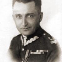 """Uchwała w sprawie nadania Muzeum AK imienia gen. Emila Fieldorfa """"Nila"""" 12.09.2001"""